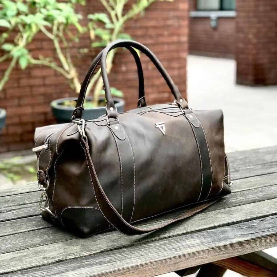 HANDMADE LEATHER BAG- FINE LINES