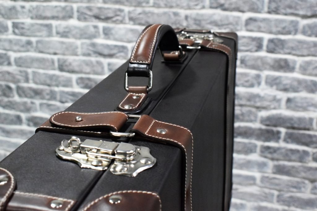 lorenzo leather trunk details